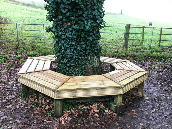 CWA renovates seat on the Cotswold Way at Dyrham